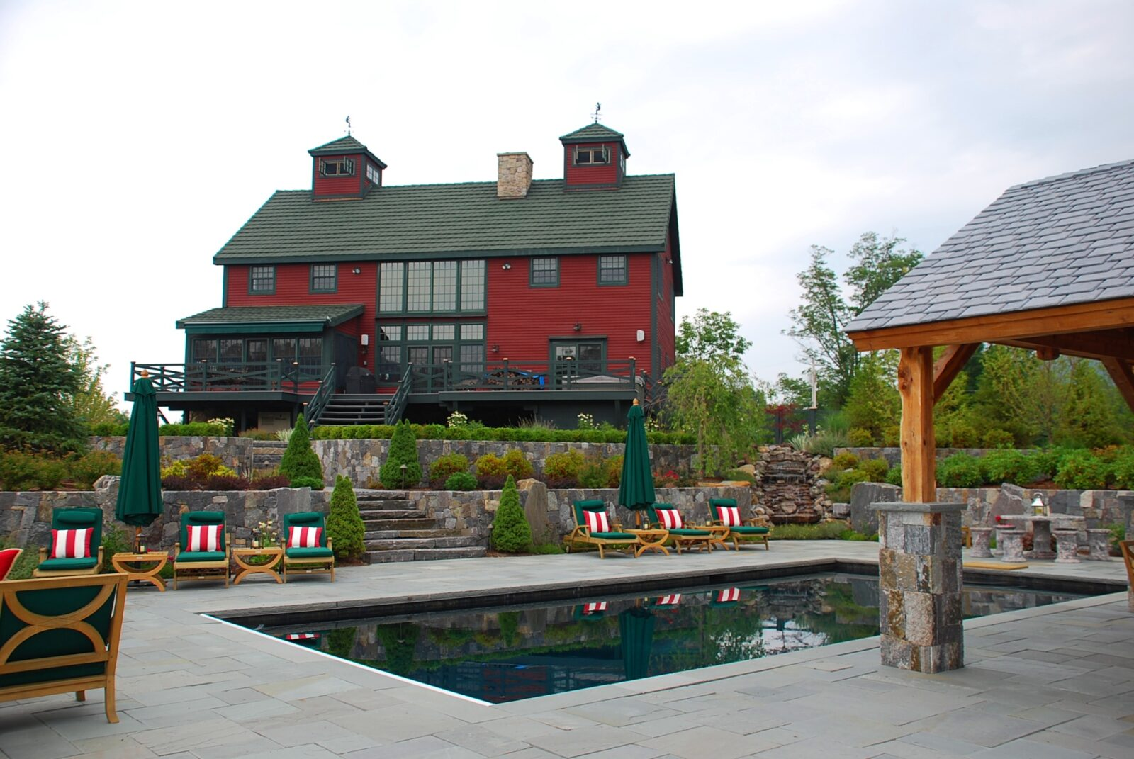 Post And Beam Outdoor Living On The Waterfront