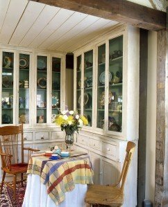 Post & Beam Breakfast Nook