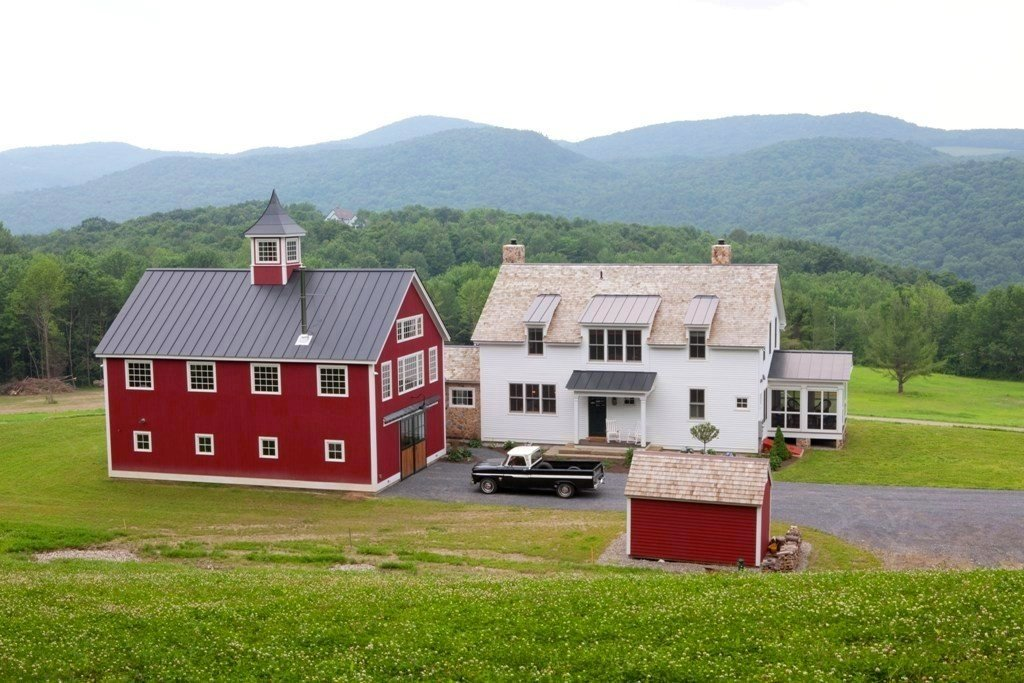 A post beam carriage house in vermont for House that looks like a barn