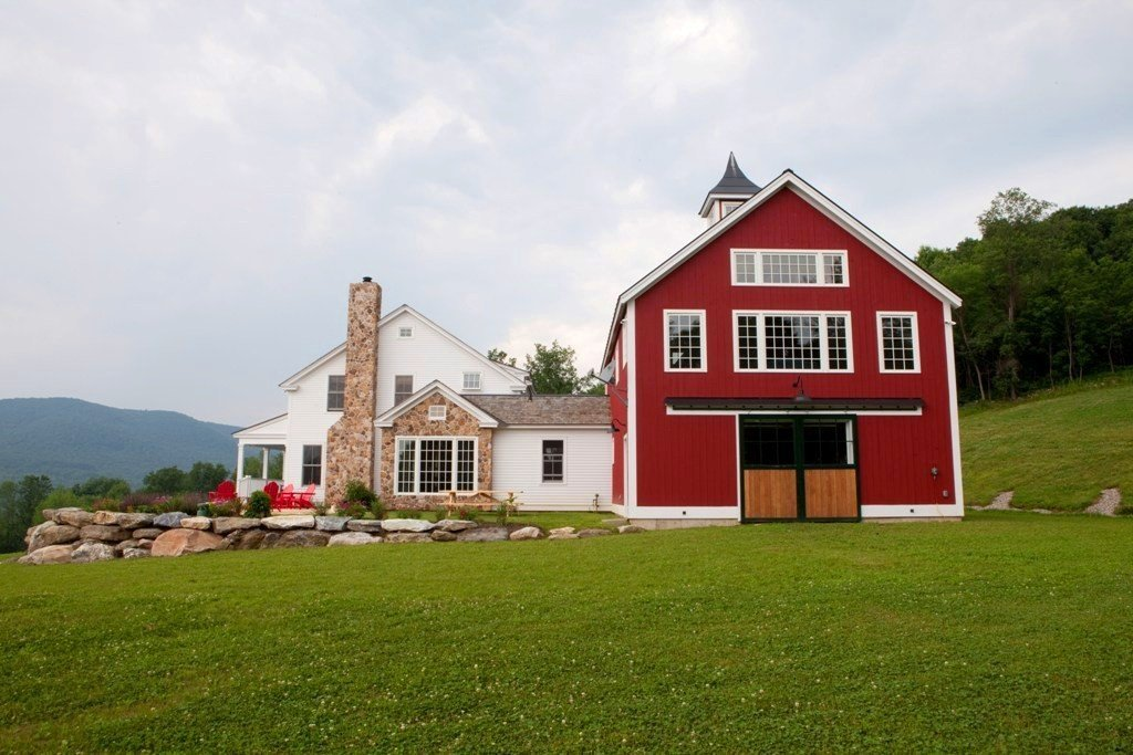 A post beam carriage house in vermont for Post and beam carriage house plans