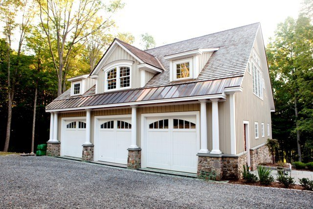 Building a carriage house in today 39 s economy for Carriage house plans with apartment