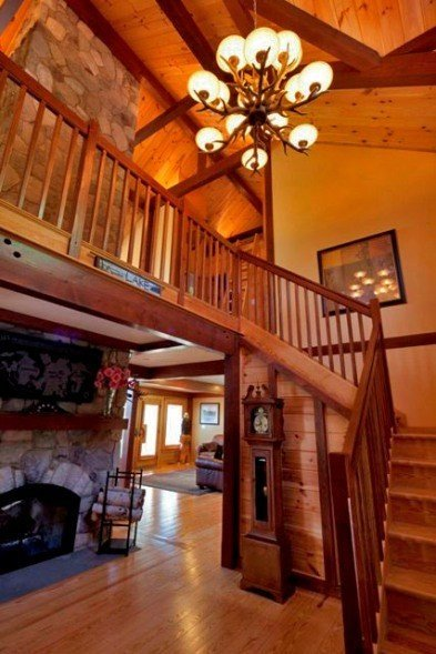 Yankee Barn Homes Mountain Style Entryway
