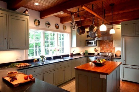 Post and beam kitchens with floor plans that work yankee for Early american kitchen cabinets