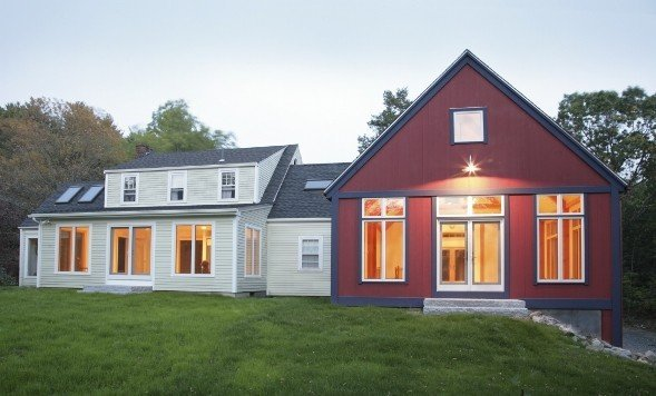 Yankee barn homes builds stunning post and beam additions for Spec home builders near me