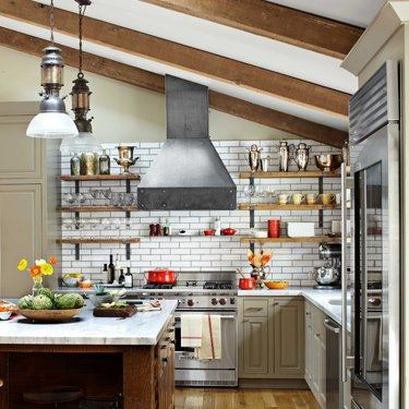 The Industrial Look In Yankee Barn Post And Beam Homes