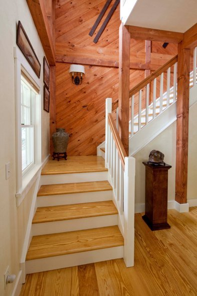 Barn house staircase ideas complete with photos for Staircase ideas near entrance