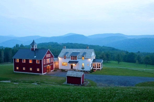 Iconic red barns from yankee barn homes for Vermont home designs