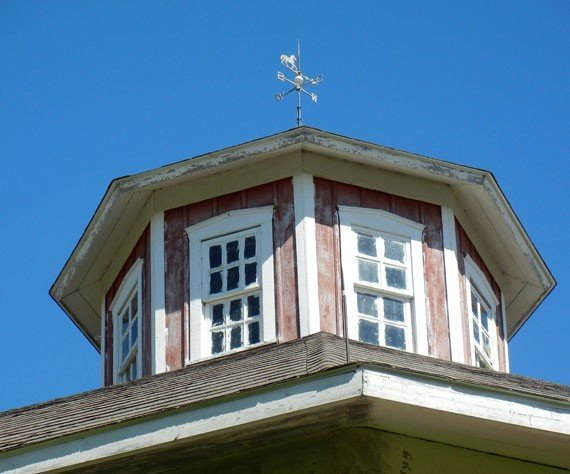 Pretty barn home window ideas for Cupola with windows
