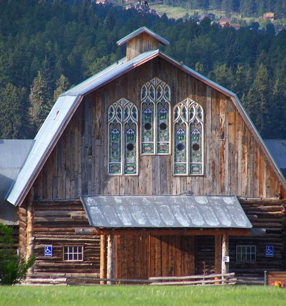 Pretty Barn Home Window Ideas