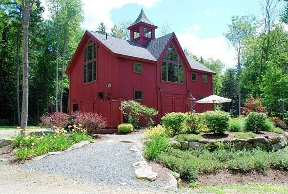 A yankee barn post and beam samesex wedding for Post and beam carriage house plans