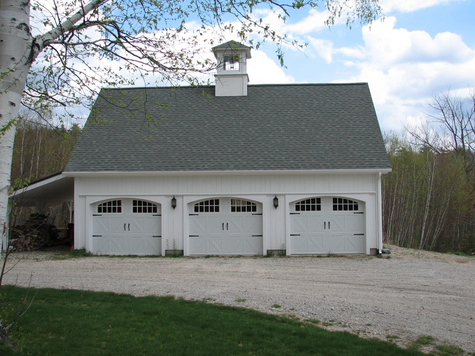 Three car barn yankee barn homes for 3 car garage homes