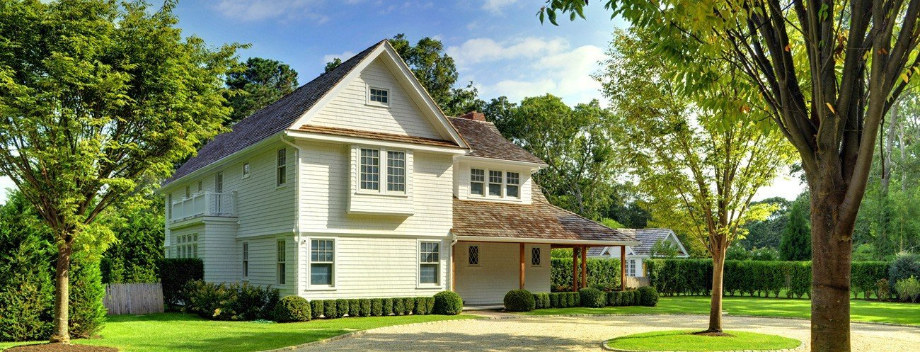 Sands Point - East Hampton Barn and Cottage Style Design by Yankee Barn Home