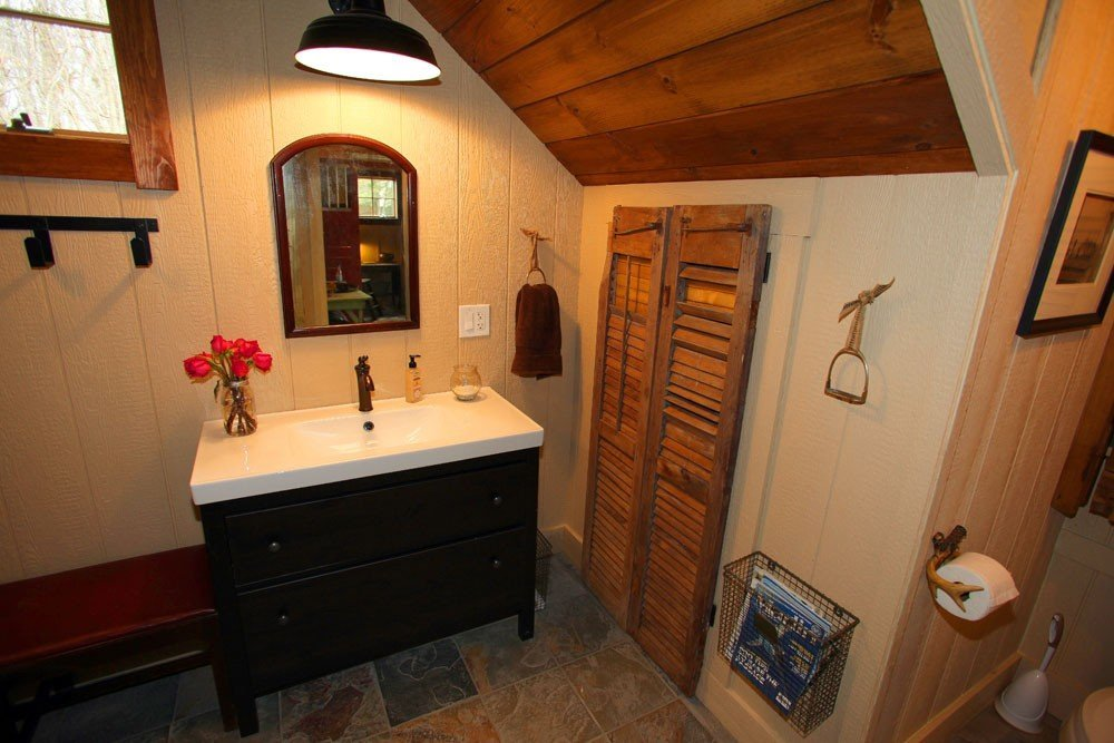 Carriage House Guest Bathroom