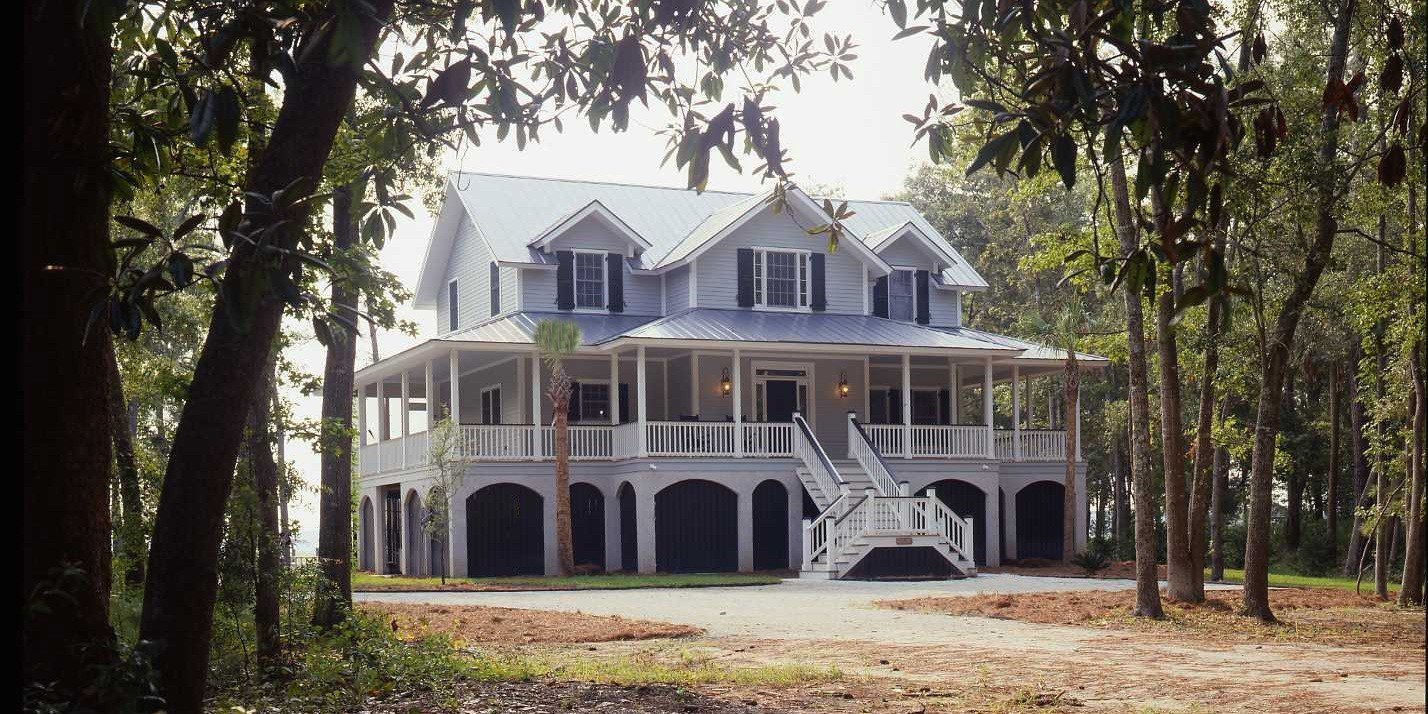 Charleston coastal living house plans yankee barn homes for Living house