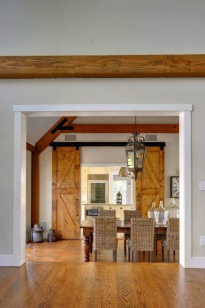 Laurel Hollow Contemporary Barn Home in East Hampton - PHOTOGRAPHY BY CHRIS FOSTER