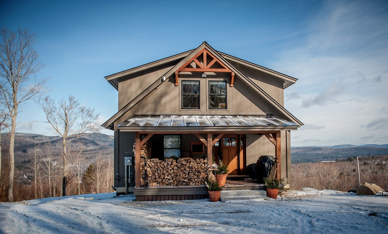 Moose ridge mountain lodge yankee barn homes for Lodge home designs