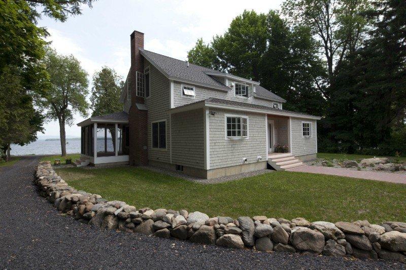 Prefabricated coastal cottage