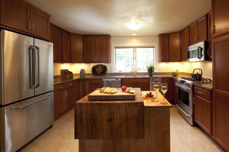 timber frame coastal cottage farmhouse kitchen