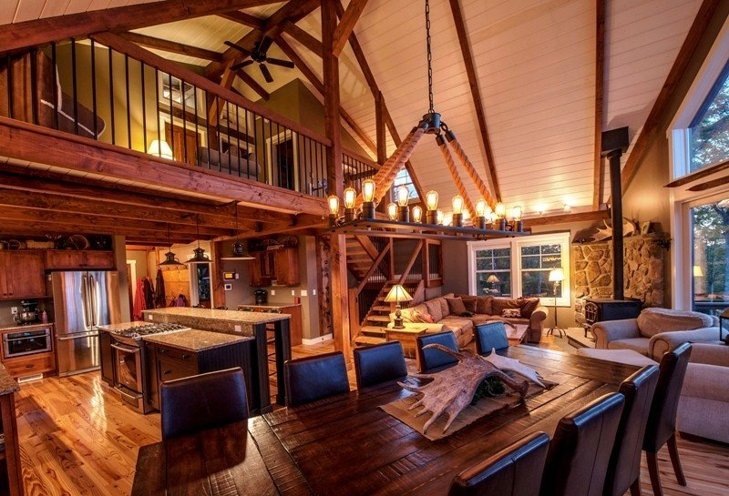The barn house loft at moose ridge lodge for Open floor plan barn homes