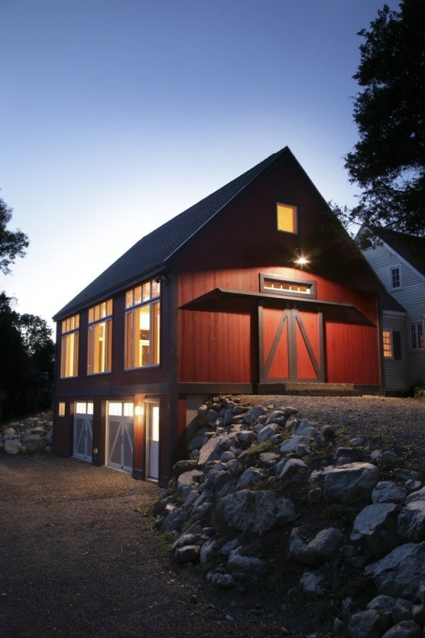 Universal design yankee barn homes is on the beam for Homes with barns