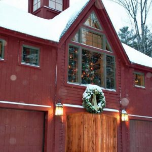 Bennington Carriage House Holiday Snow