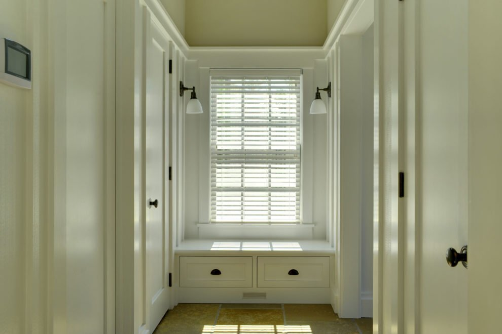 Laurel Hollow Walk In Closet