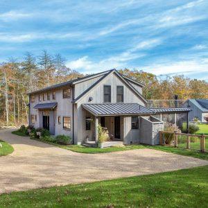 Contemporary Barn Home