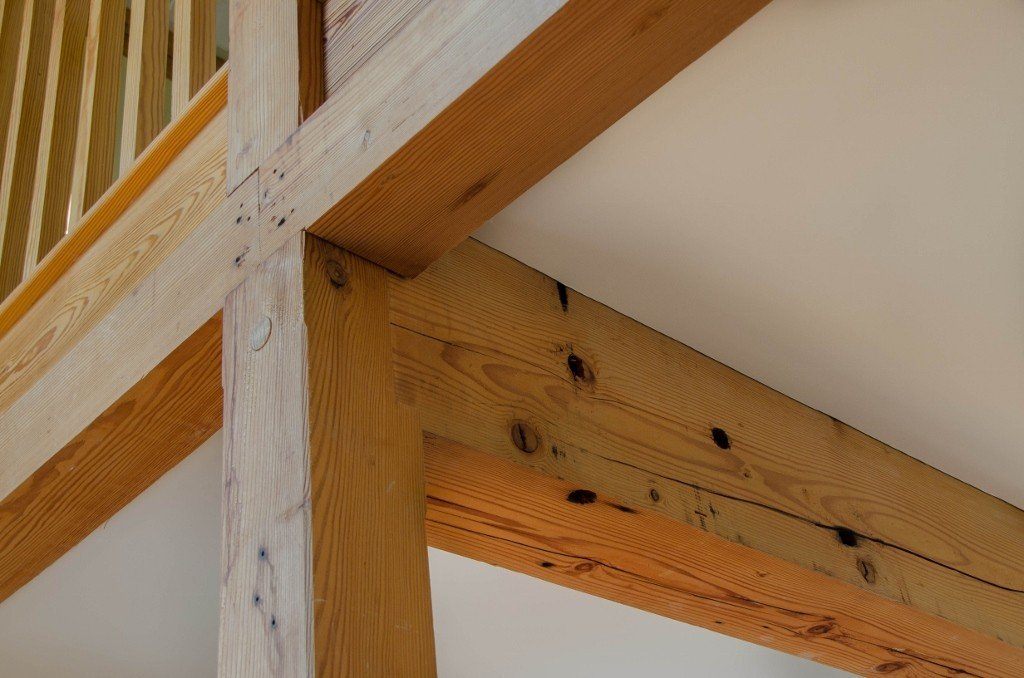 Amazing Post And Beam Vs Timber Frame Structures The Difference Home Interior And Landscaping Eliaenasavecom