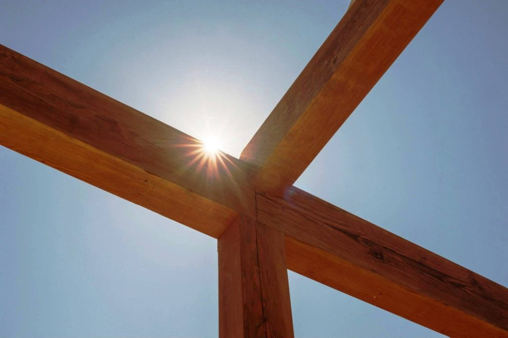 Timber Frame or Post and Beam: What\'s the Difference?
